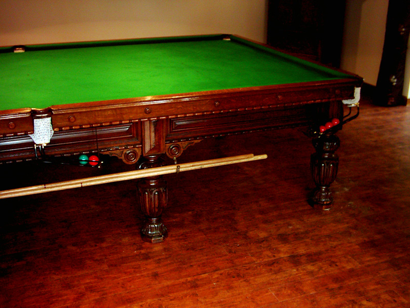 Snooker tables pool tables bar billiards hubble sports for 10 snooker table